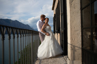 Soft light, 5pm wedding, Italy, Malcesine Castle