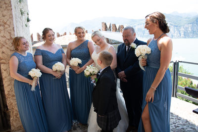 Laughters before the ceremony on the Castle terrace