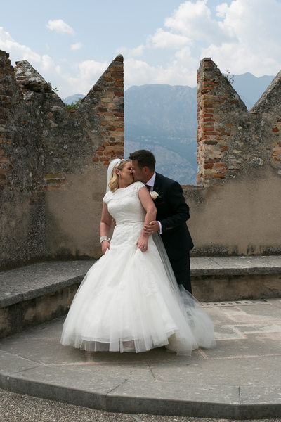 Emotional fun weddings in Malcesine