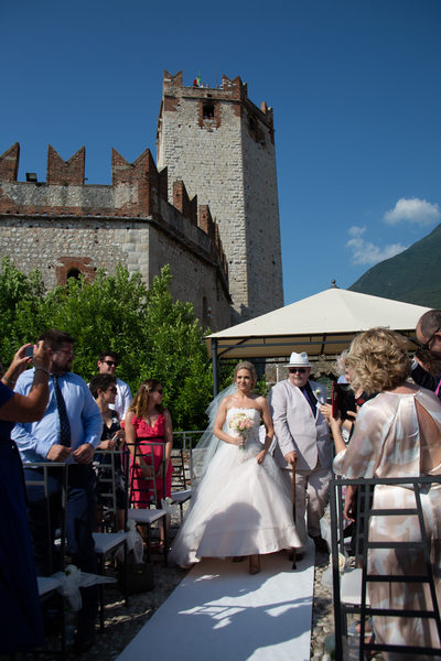 The arrival of the bride in Malcesine Castle.