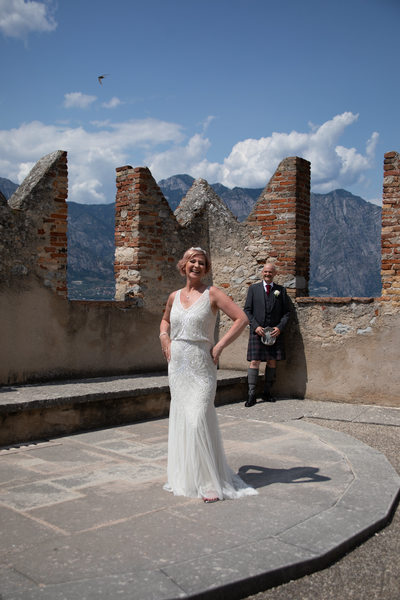 Scottish bridal couple in Malcesine, Italy