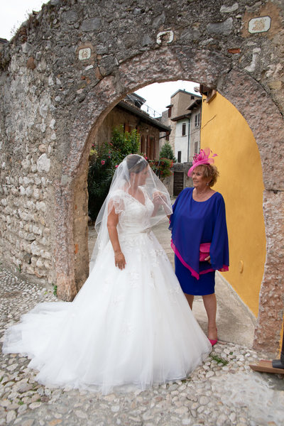 Marvellous and beautiful destination weddings in Castle