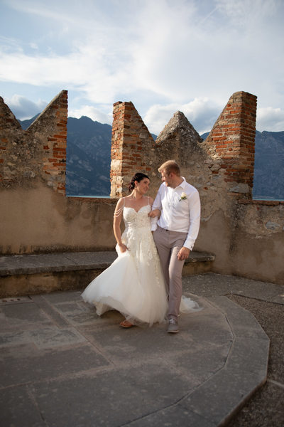 late afternoon August weddings in Malcesine Castle