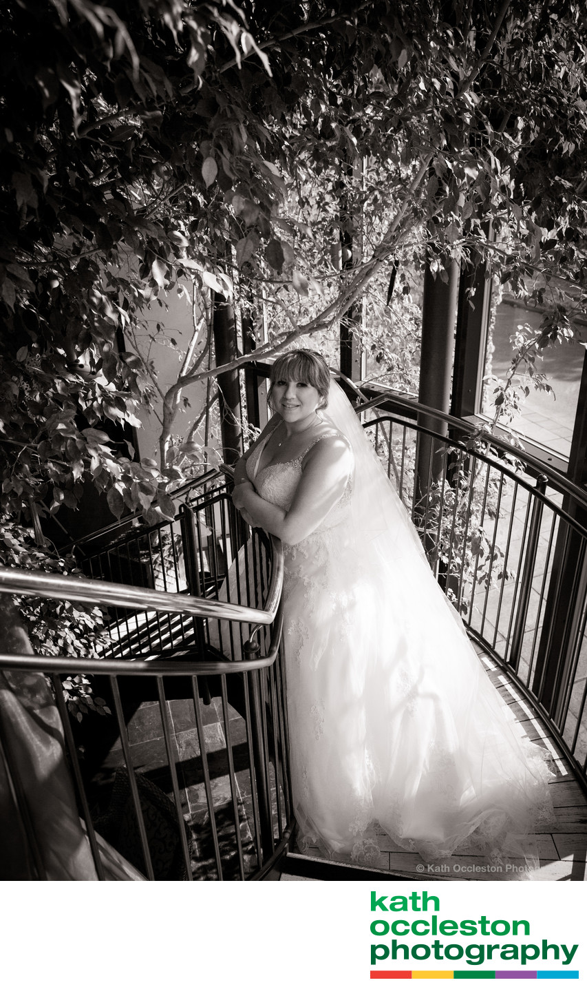 Bride on the staircase, Lazaats, Hull
