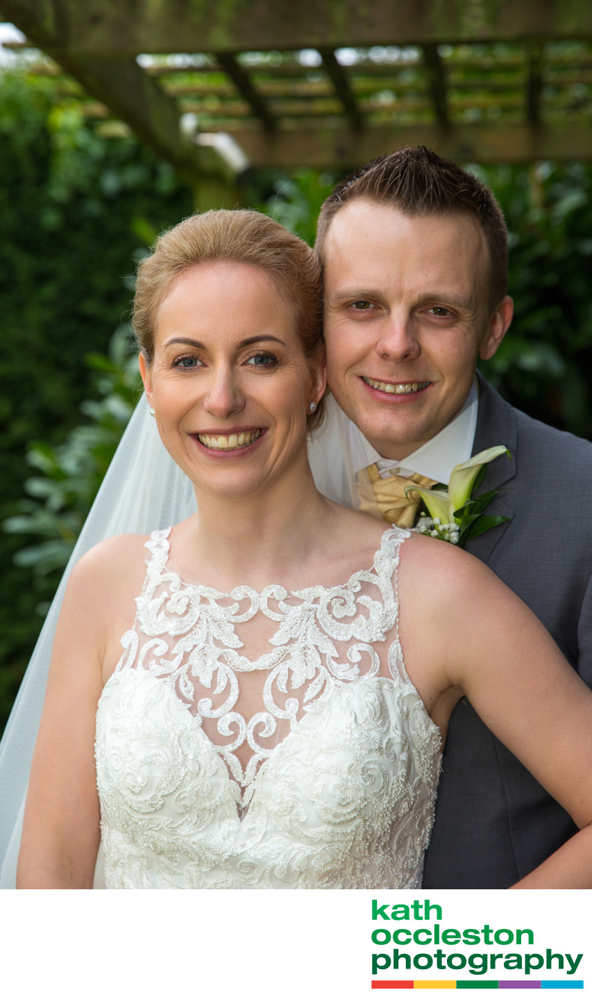 Relaxed wedding photos at Singleton Lodge
