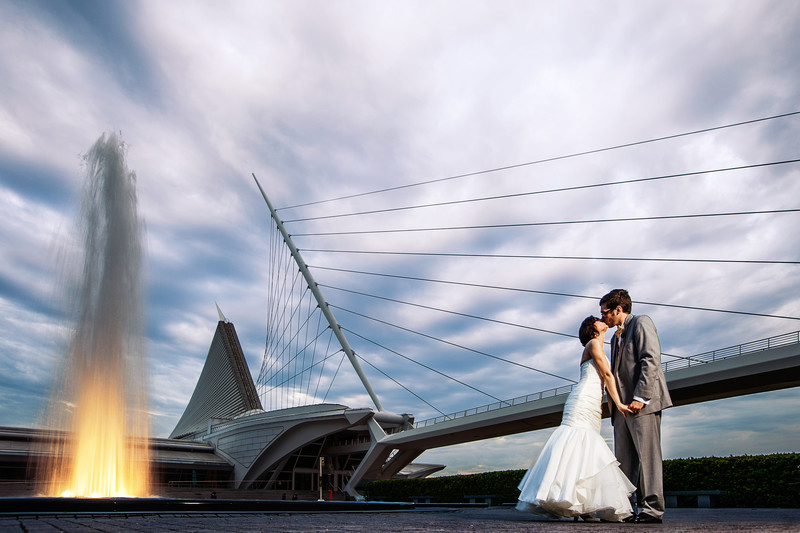 Milwaukee Art Museum Wedding Photography