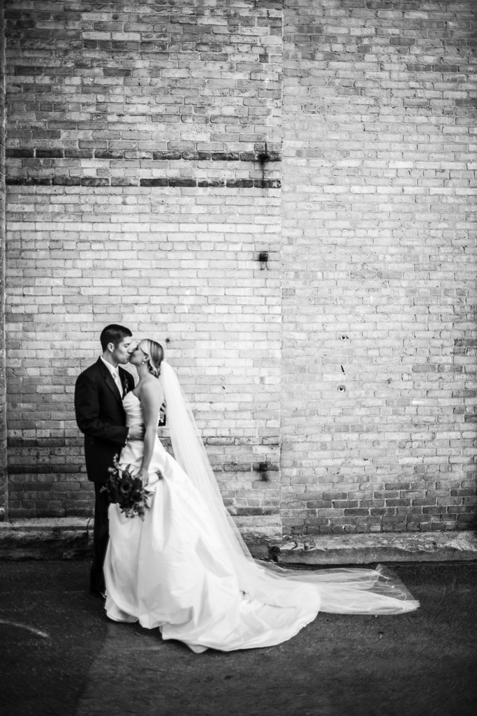 Oshkosh Wisconsin Alley Wedding Photography