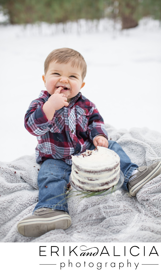 baby boy turns one first messy cake is funny