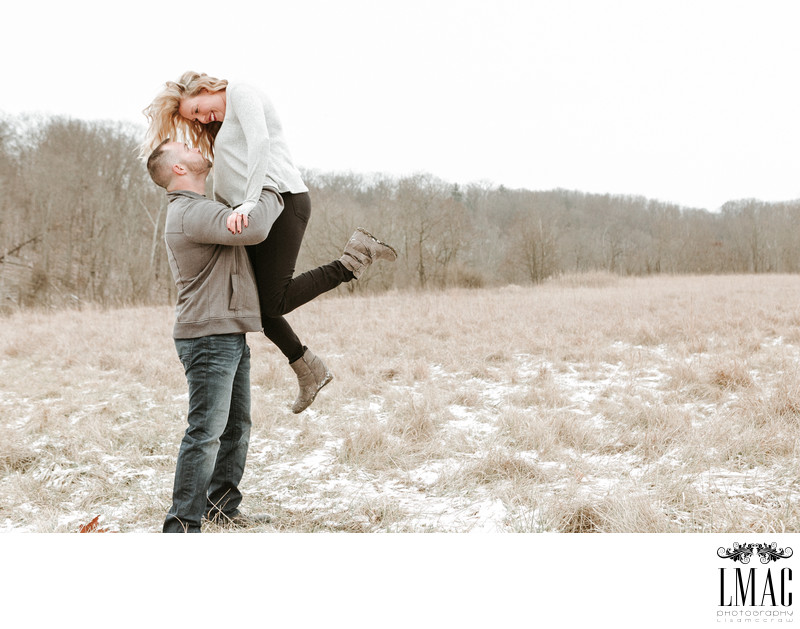 Beautiful Winter Engagement Photos