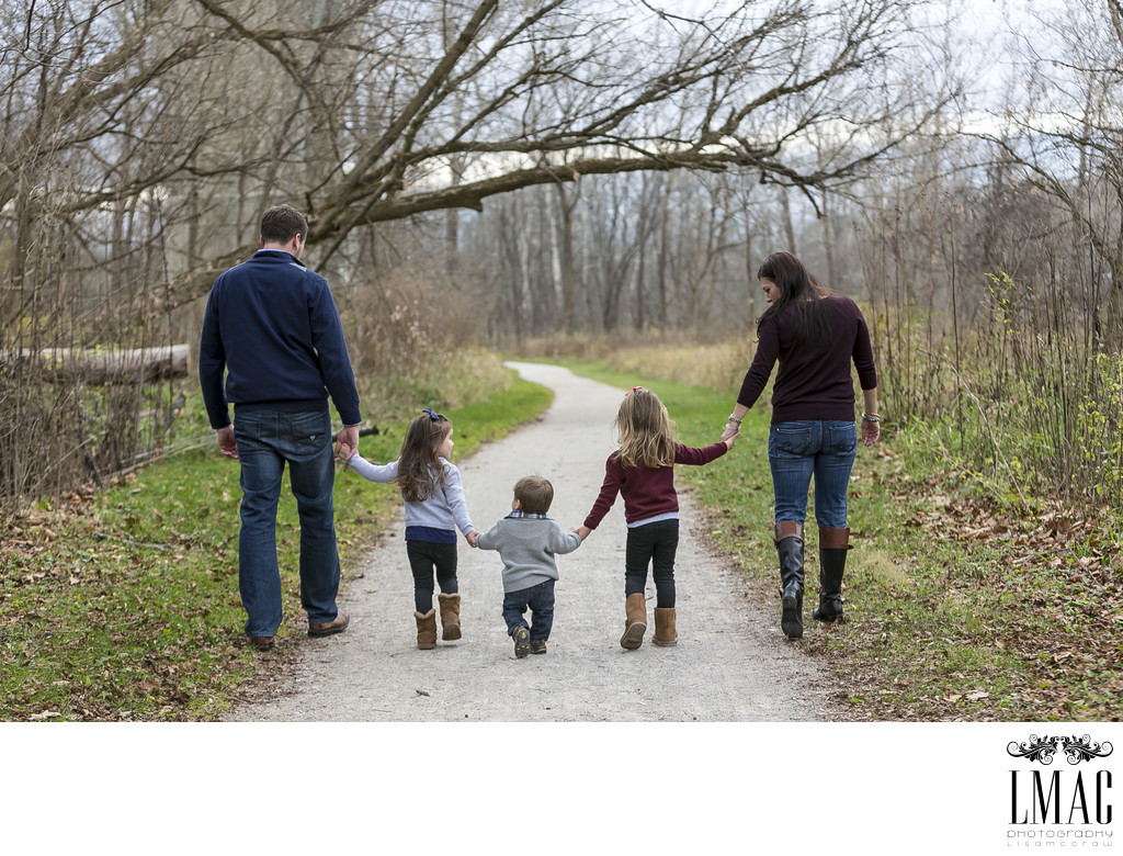 A Lifestyle Family Photo Session at the Brecksville Reservation