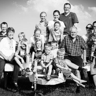 Large Family Shoot on Farm Location