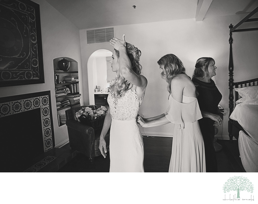 Bridal prep photos / Palm Springs California photography