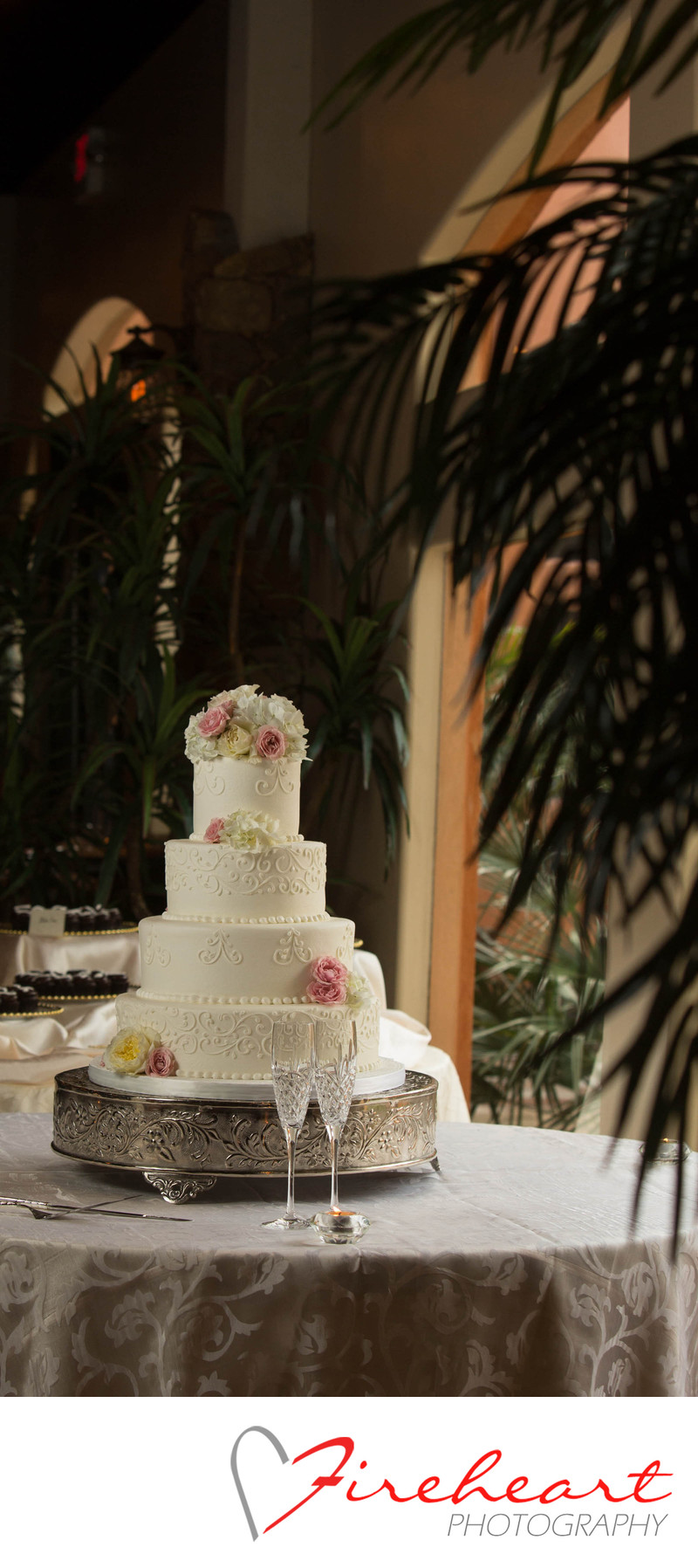 Houston Wedding Photographer Cakes by jesse