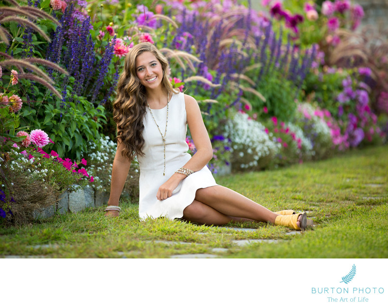 Boone Senior Portrait Photos Sara Fran with Flowers