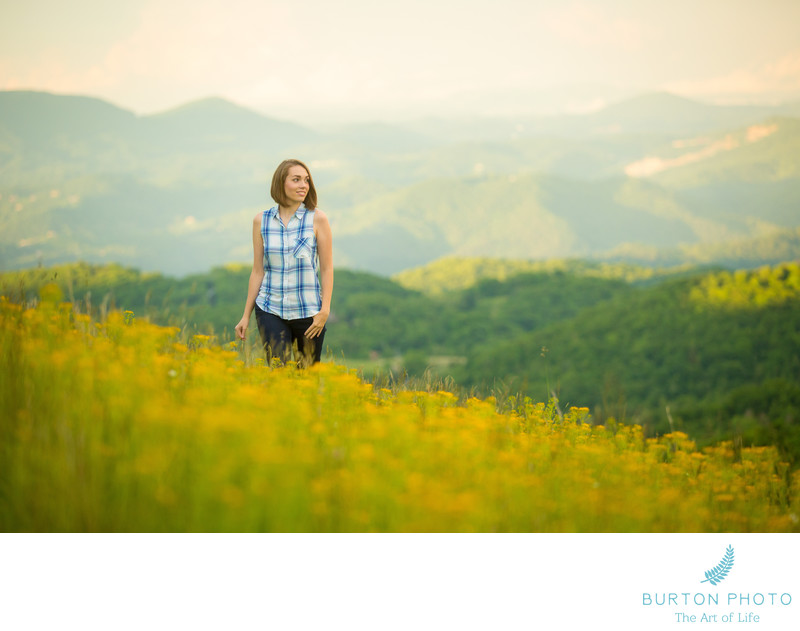 Scenic Senior Portrait Photographer Mountains