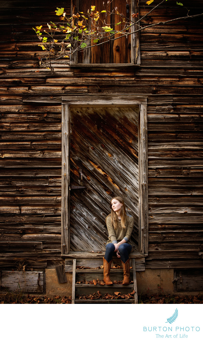 Boone Senior Photos Old Cabin