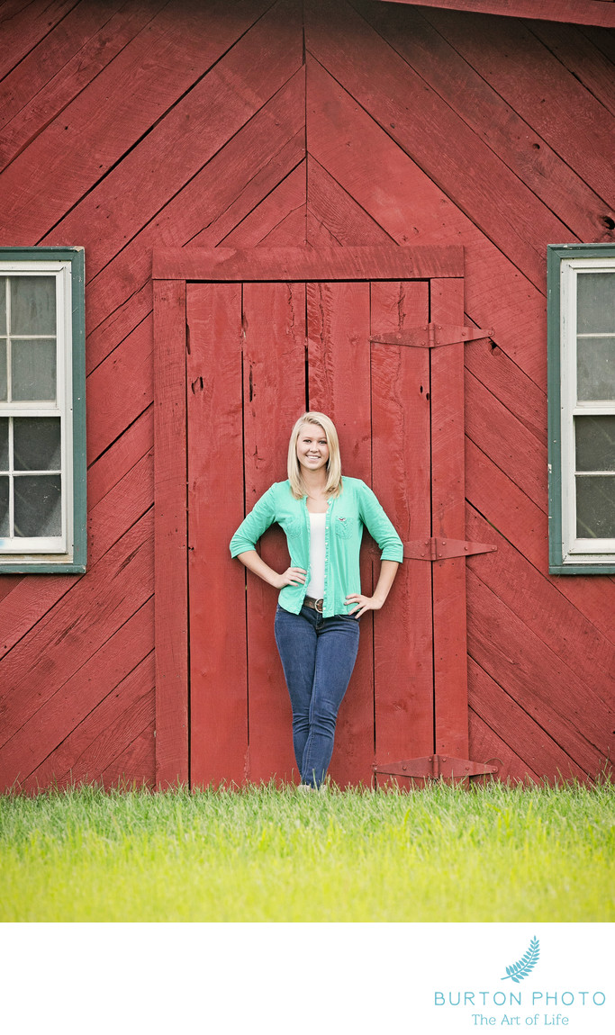 Boone Scenic Senior Portrait Red Barn