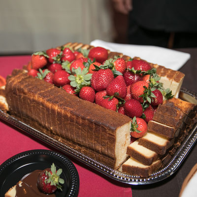 Geja Cafe Pound Cake & Strawberries for Chocolate Fondue