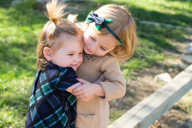 Loving Sisters at Lifestyle Family Portrait Session