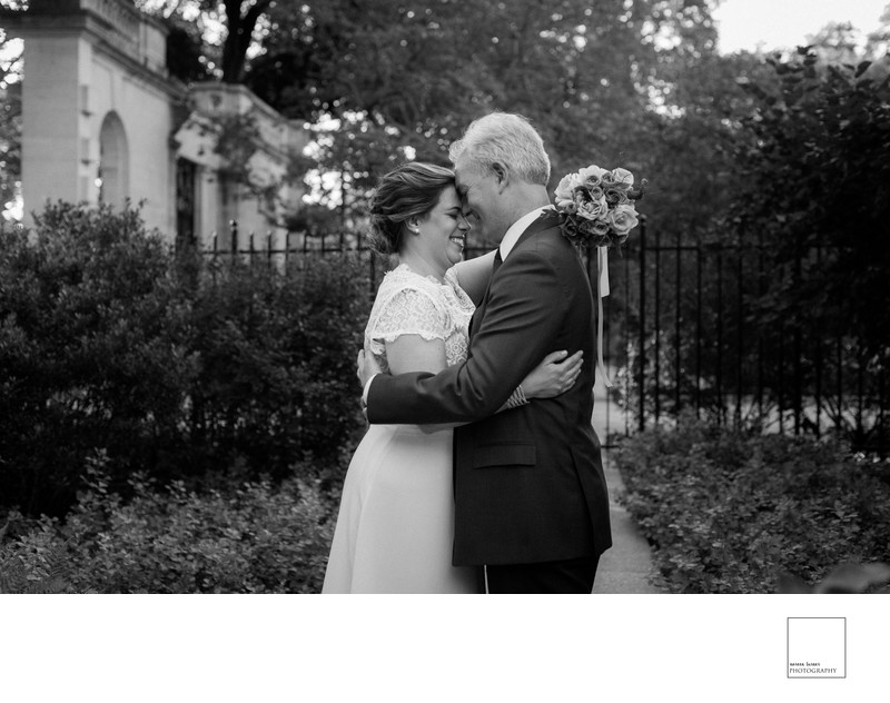 Bride and groom at Barnes Foundation Philadelphia
