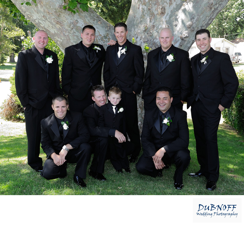 groomsmen outdoor photo