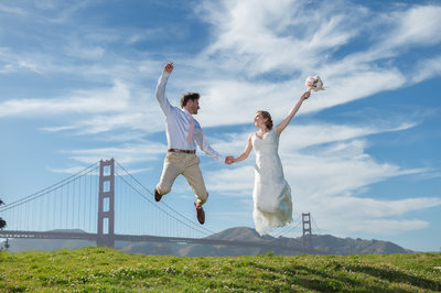 golden gate bridge jumping bride and groom photography