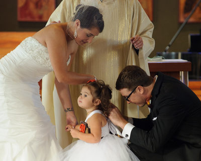 groom fixing daughter