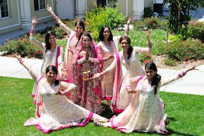 Bollywood girls posing for their San Francisco Indian Wedding Pictures