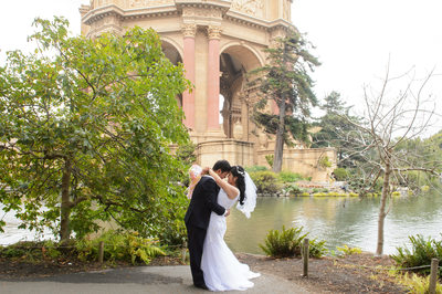 Romance Photography at the Palace of Fine Arts in San Francisco