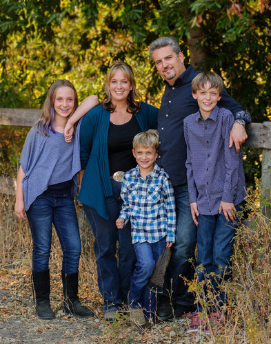 Family Portraits in the San Francisco Bay Area in a beautiful Outdoor setting