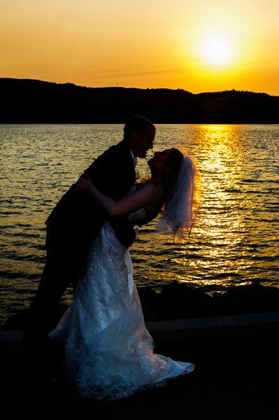 bride and groom benicia sunset