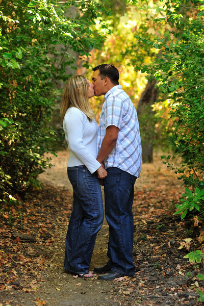 Beautiful Trees and Foliage for this Colorful Engagement Session