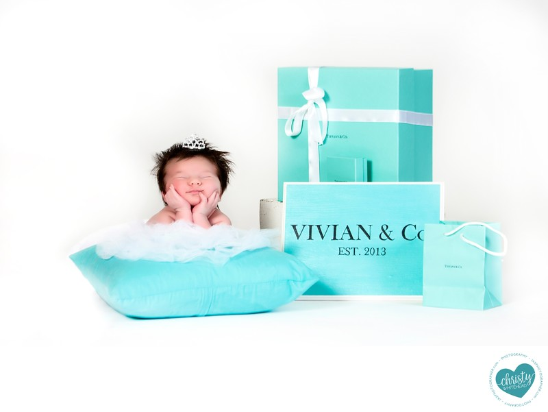 Tiffany errr Vivian and Co, Luxury Newborn photographer