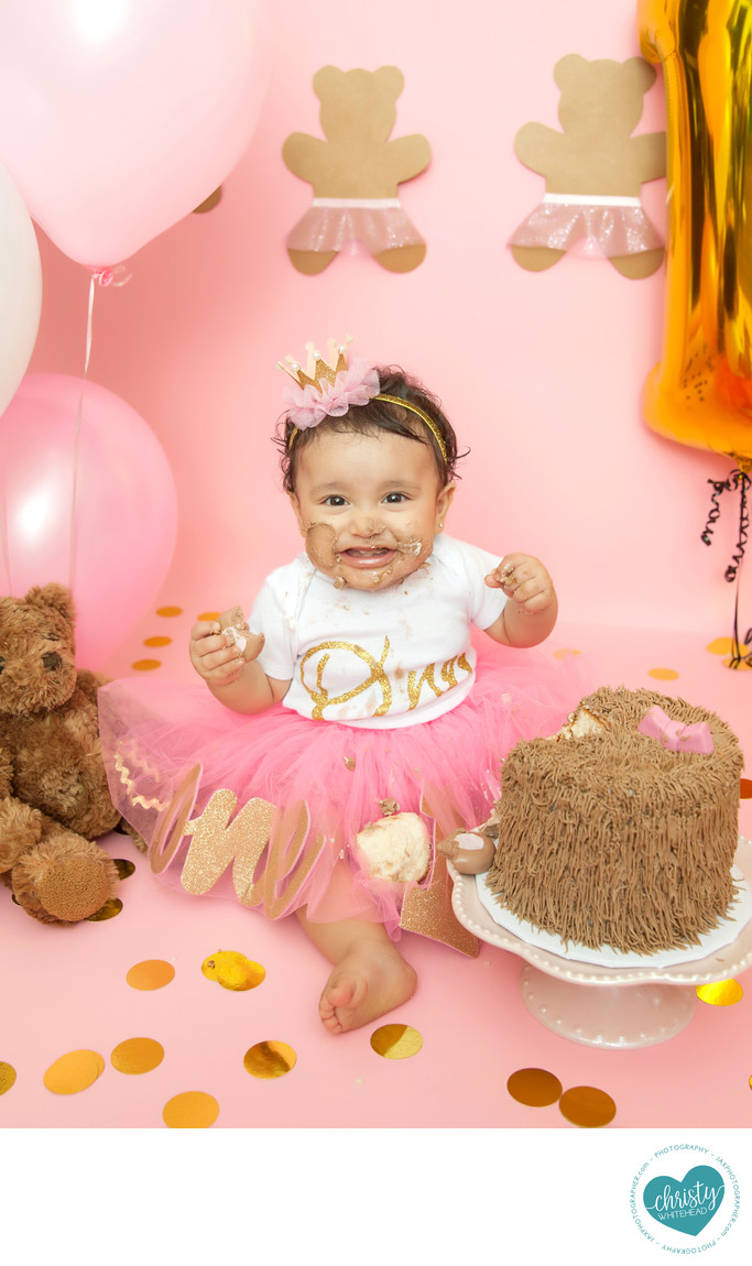 Teddy bear smiles cake smash