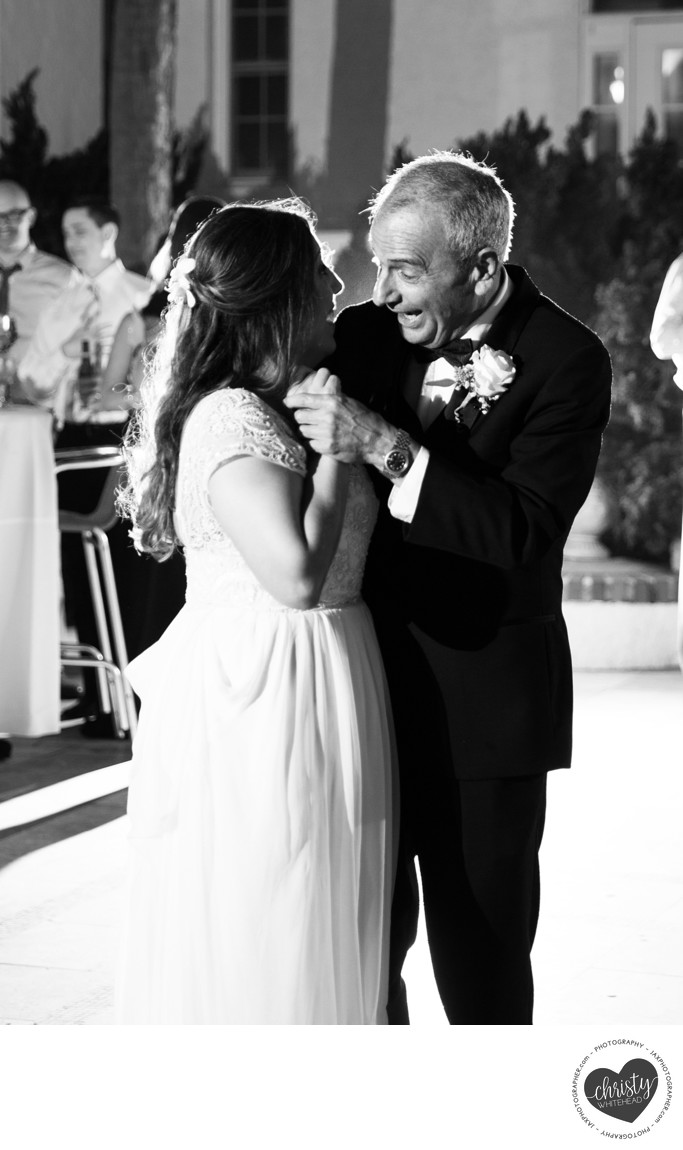 Sweet BW photo of dad dancing with his daughter