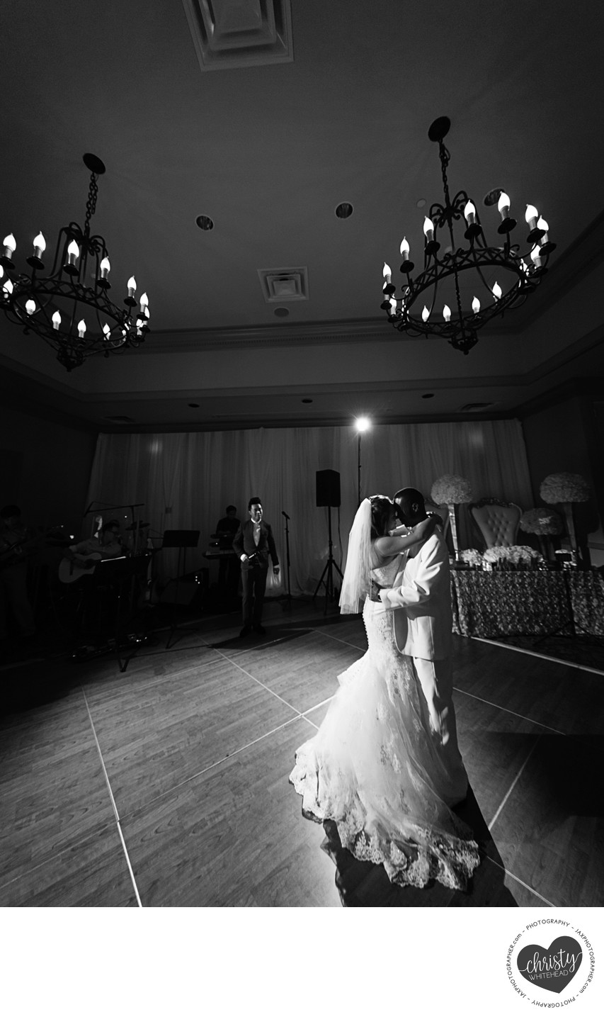 BW couple dancing at Florida yacht Club