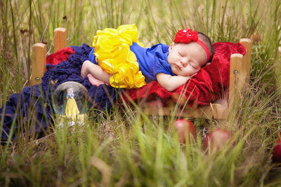 Snow White Baby Girl Sleeping Photo Shoot JAX