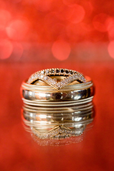 Gorgeous wedding ring set on red