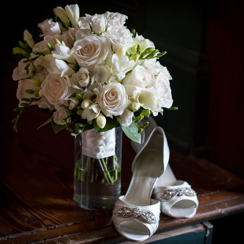 White Wedding At The Ezell House in Mobile, AL