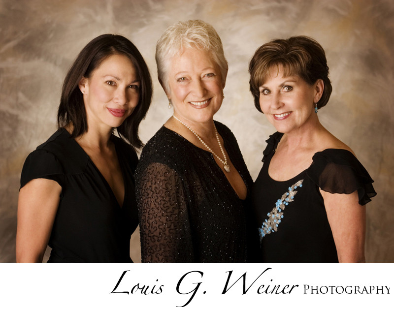 The Big Bear Lake Divas, three singers. California