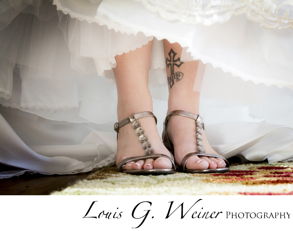 Gold Mountain Manor, Wedding details, shoes and tattoos
