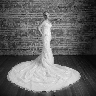 Bridal portrait in Black and White, just stunning.  love her attitude