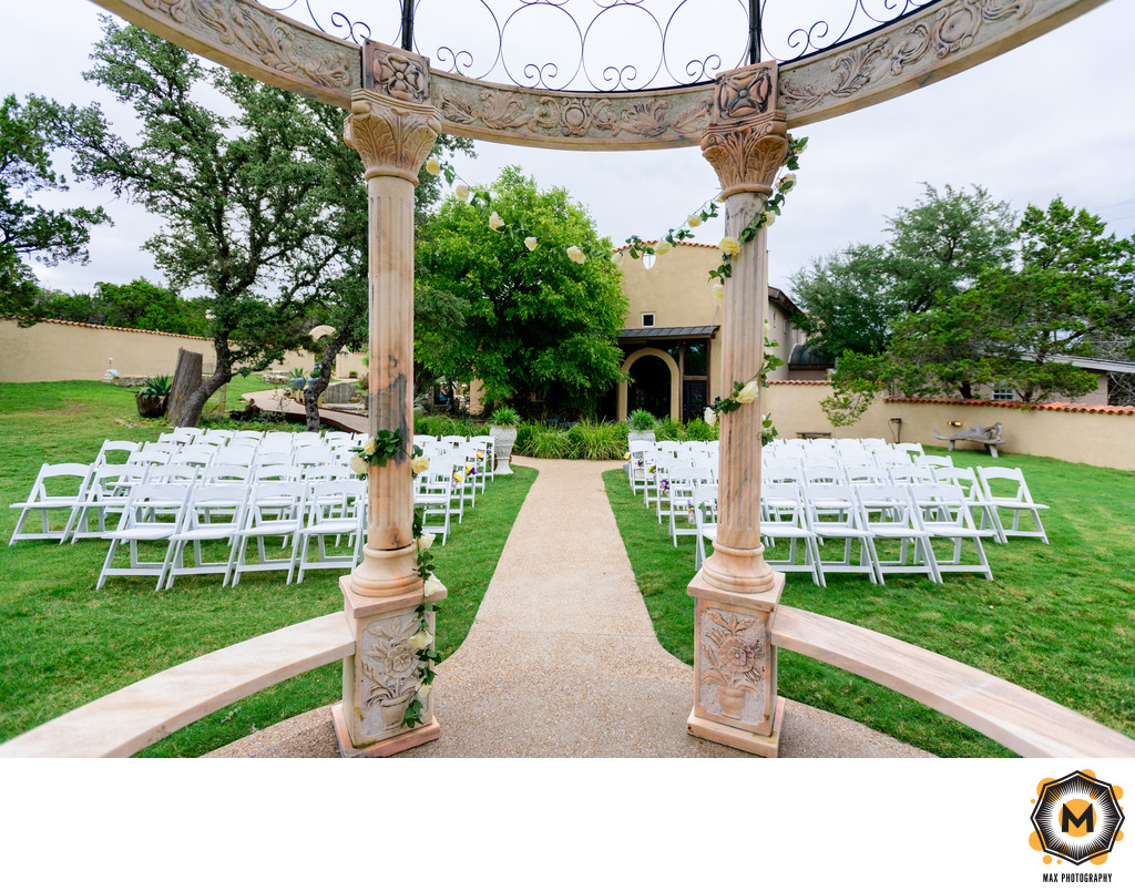 Chapel Dulcinea | Tuscan Hall Ceremony Photograph