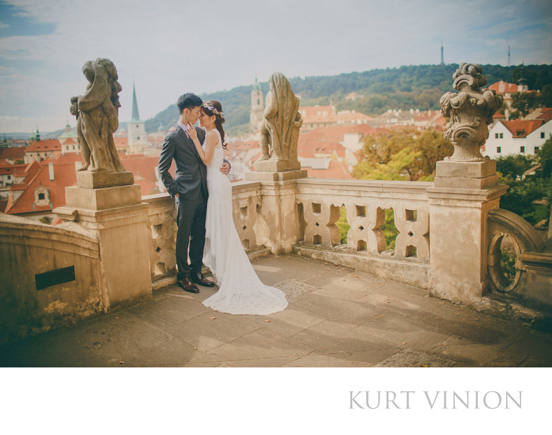 H&P sunrise & sunset pre wedding portraits in Prague