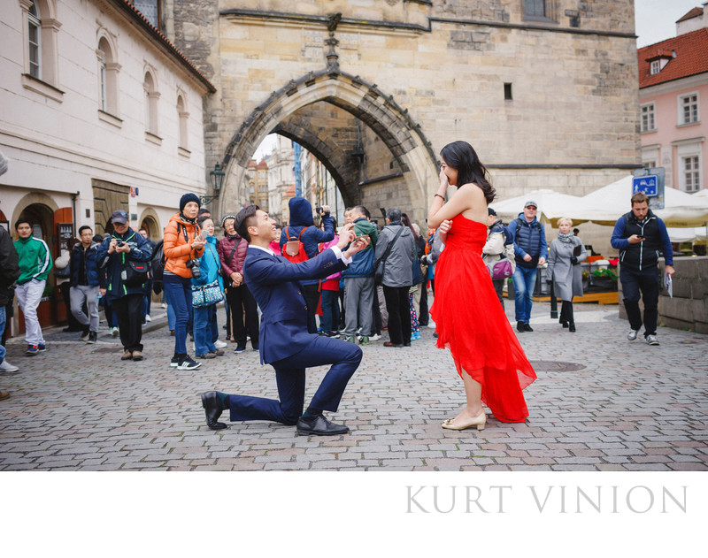 Prague marriage proposal photos atop the Charles Bridge