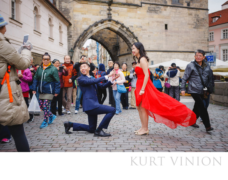 Prague marriage proposal photos at the Charles Bridge