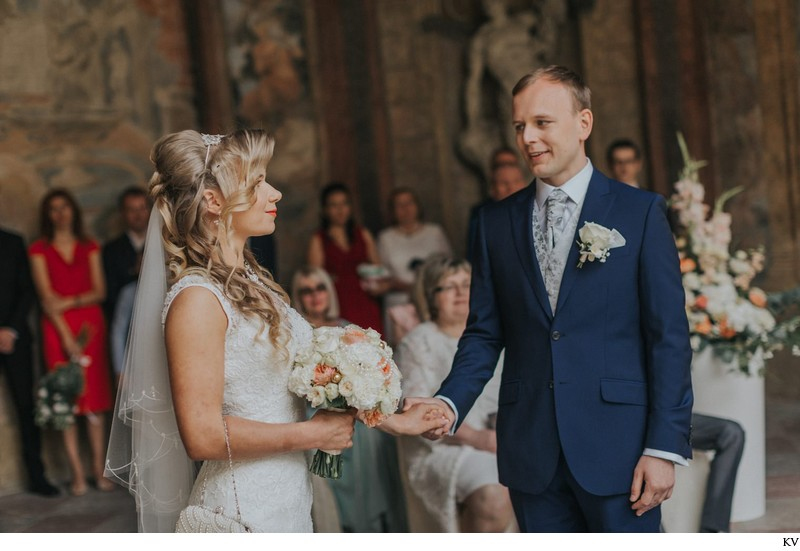 K+M (UK) Vrtba Garden destination wedding in Prague 16
