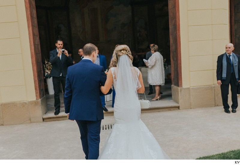 K+M (UK) Vrtba Garden destination wedding in Prague 36