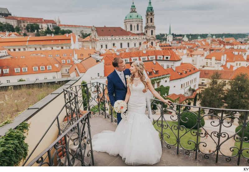 K+M (UK) Vrtba Garden destination wedding in Prague 47