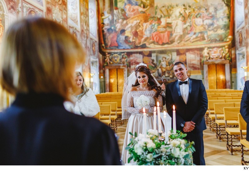 Prague destination wedding at the Troja Chateau 14